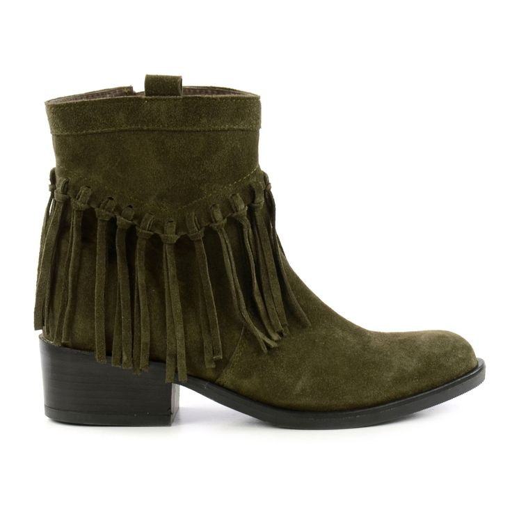Maak je outfit speciaal met deze groene franje enkellaarsjes! -Upgrade your outfit with these army green fringe ankle boots!