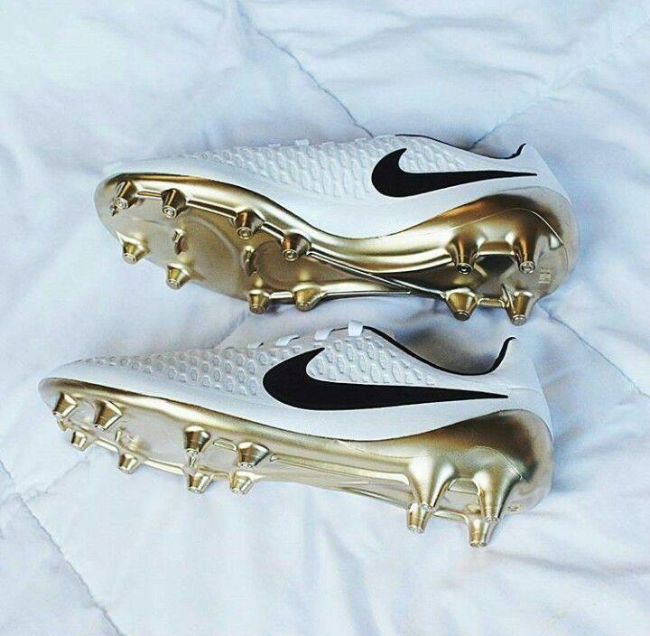 Pin von Juli Ernemann auf Fußball | Nike schuhe