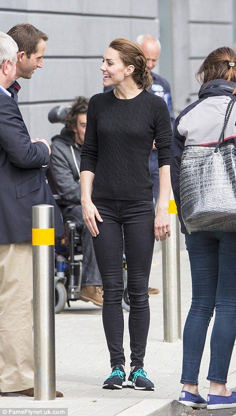 Kate Middleton goes casual!