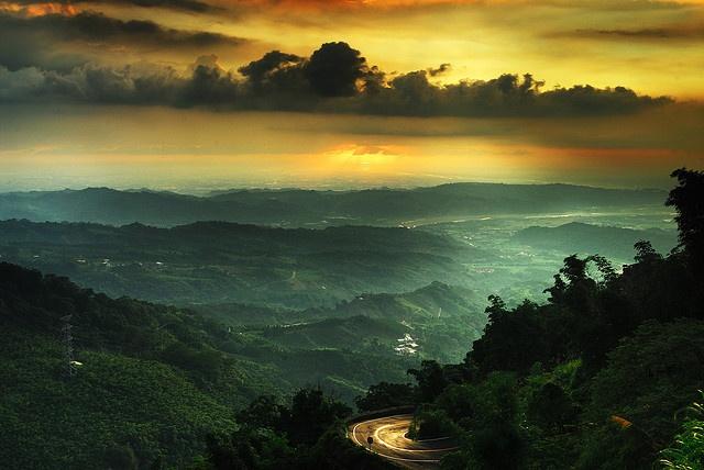 Golden Sunset by Hank Sun