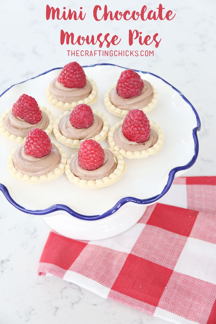 Mini Chocolate Mousse Pies | A simple holiday dessert. This recipe is so easy to...