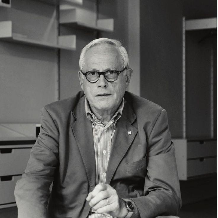 Hasil karya Dieter Rams - mungkin tokoh yang paling berpengaruh di dunia desain industrial yang pernah ada - menyajikan sebuah pengalaman dan apresiasi akan keseluruhan panca indera dan menghadirkan sebuah karakteristik yang dapat disebut sebagai kegunaan fungsional.