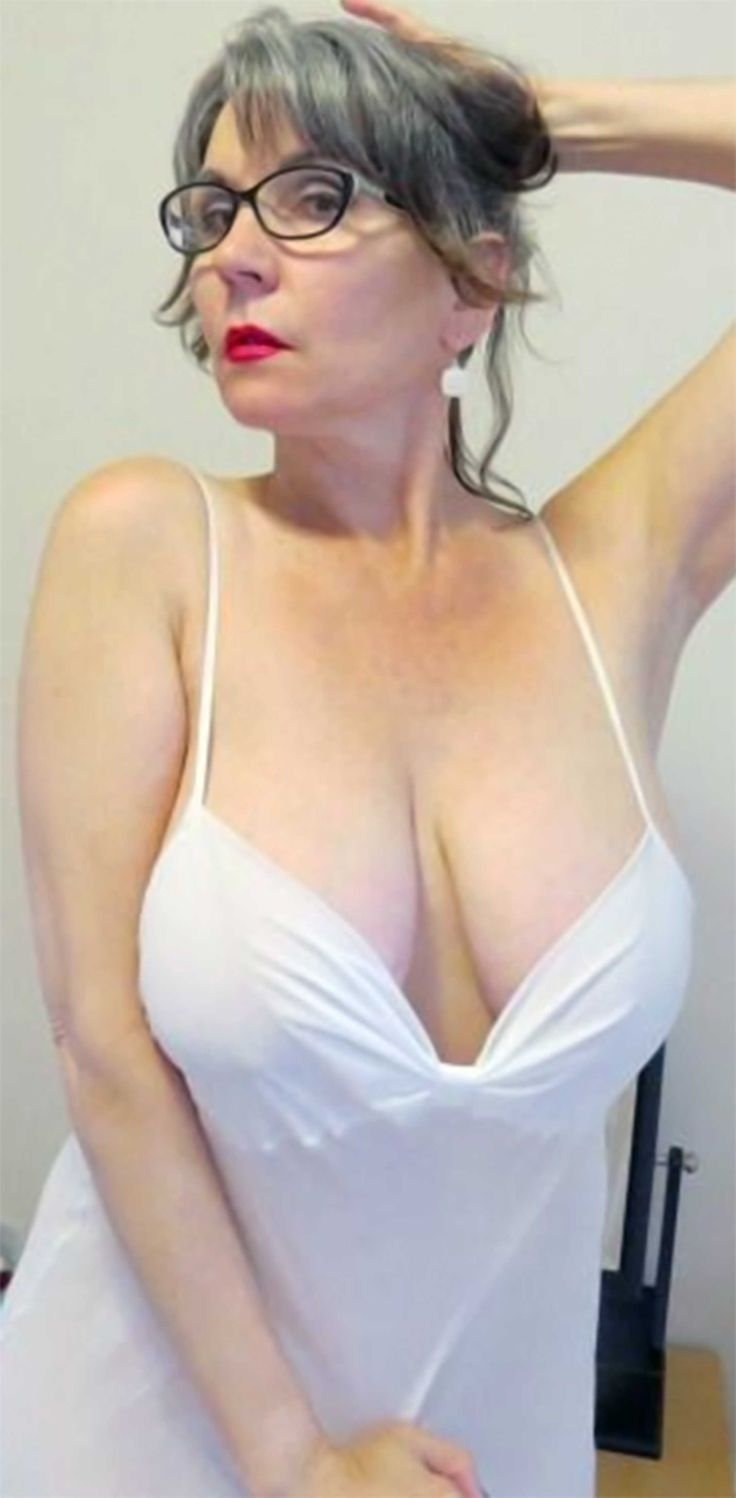Hot mature aunts na nephews videos