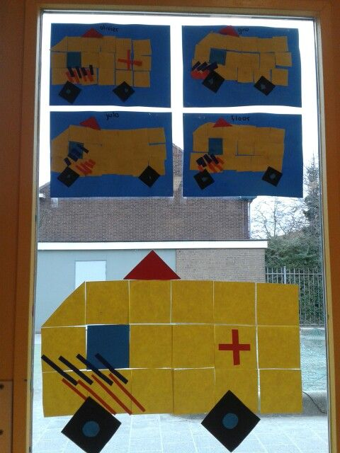 De ambulance van viierkanten en driehoeken.