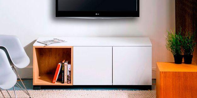 Floor is de benjamin van de 100% Kast familie en past daarom zelfs in de kleinste woonkamer! Leer Floor kennen op http://100procentkast.nl/kasten-op-maat/tv-meubel/tv-meubel-floor/