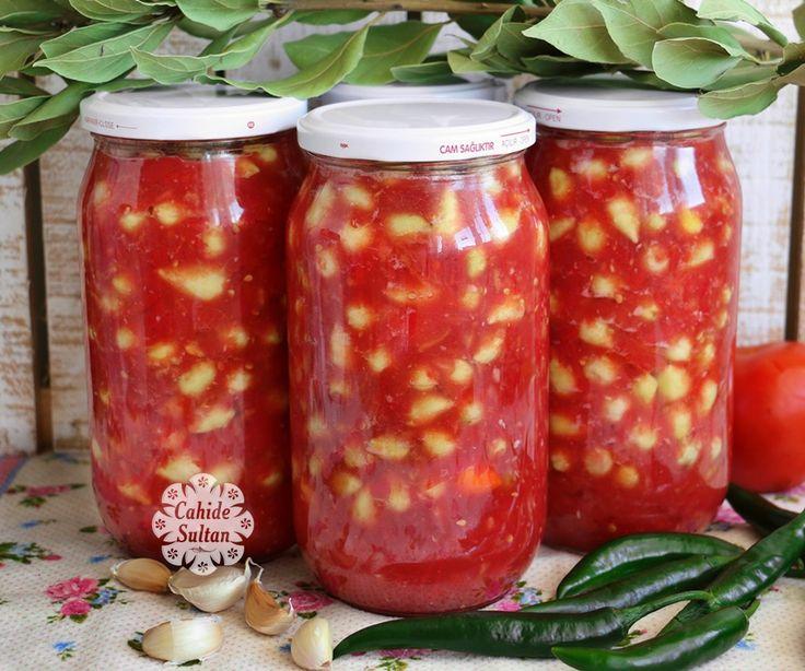 Acı küçük biberlerle hazırladığım, nefis domates soslu turşu.