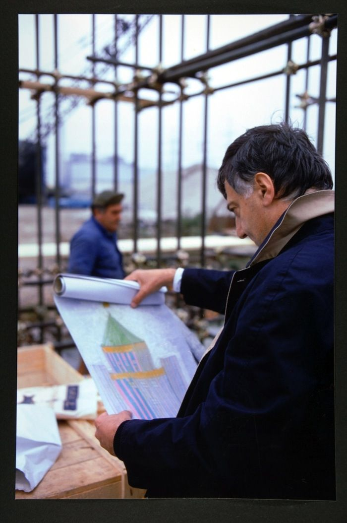 Aldo Rossi sul cantiere del teatro del mondo