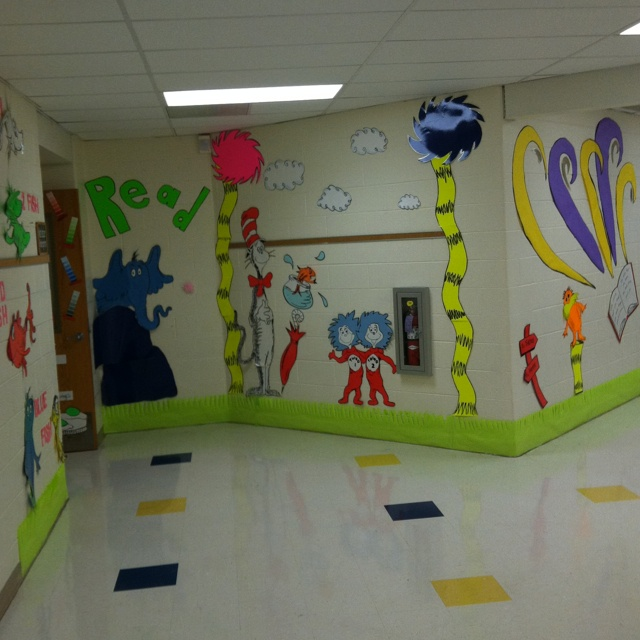 Best 25 school hallway decorations ideas on pinterest for Art classroom decoration ideas