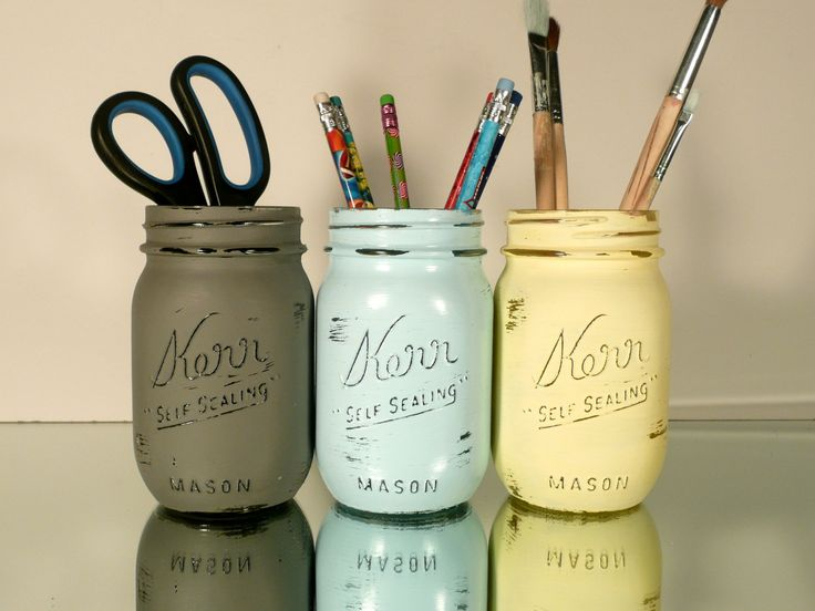 Painted and Distressed Shabby Chic Mason Jars - Pencil Holders via Etsy.