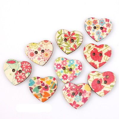 50pcs 10434 Printed Colorful Tagd Heart Sew-on Wooden Buttons