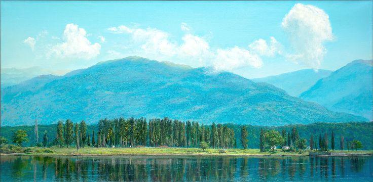 Инкит — реликтовое озеро на Пицундском мысе. Одна из древних легенд гласит о том, что когда-то озеро имело выход к морю, и на его месте располагалась внутренняя гавань древнего греческого города Питиуса. Спокойная синяя гладь открывает вид на горный хребет, утром едва различимый с голубым прозрачным небом. Отражение сливается с окружающим пейзажем, стирая грань между реальностью и древними загадками и тайнами, могучие облепиховые деревья и стройные кипарисы молча хранят секреты, привлекая…