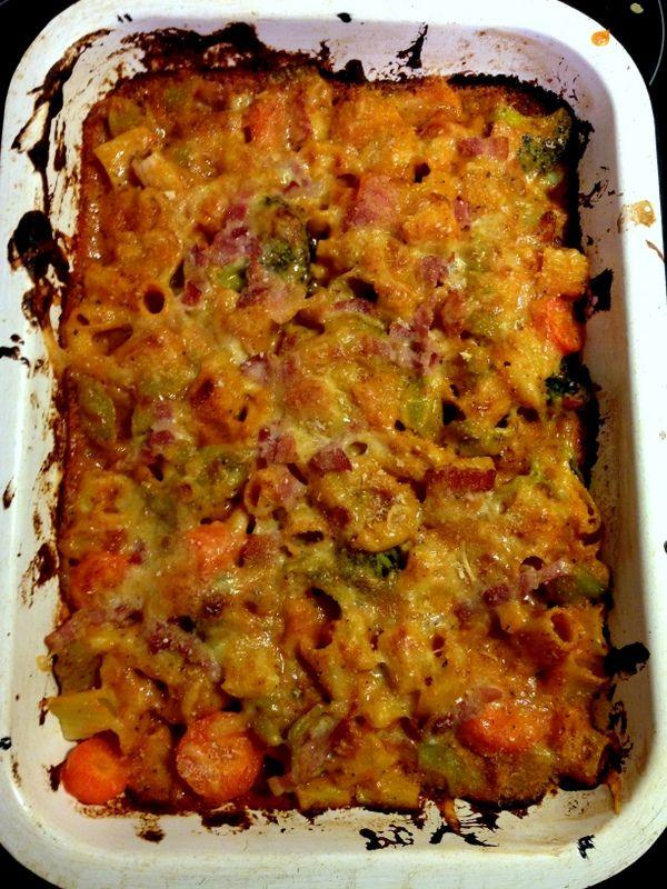 Pasta Bake with Vegetables - http://notfancyfood.com/recipe/pasta-bake-vegetables/