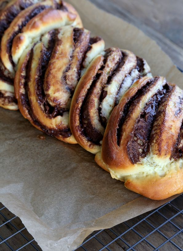 Warm and gooey gluten free Nutella bread, filled with everyone's favorite hazelnut spread. Braided for a gorgeous presentation, it's dressed to impress!