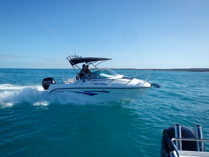 Atomix 560 WA Targe with a Mercury 115 Command Thrust - Ocean Reef water test