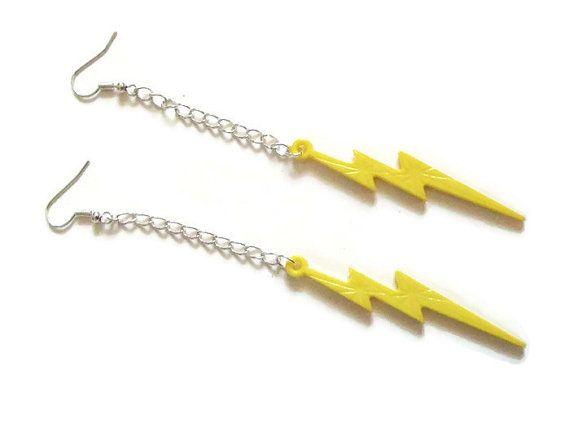 orecchini saetta tuono lampo gialli pop anni 80 catena rock punk ragazza  orecchini lunghi pendenti compleanno cosplay  lasoffittadiste