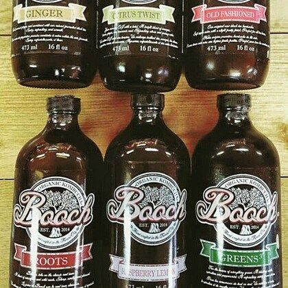 Hey! Have you heard of komducha and the incredible health benefits it has to offer?! This amazing organic fermented tea drink is available in our bins and at the market! Do your taste buds and gut flora a favor and check this stuff out! #spreadthehealth #teamleeandmarias #booch @boochorganickombucha