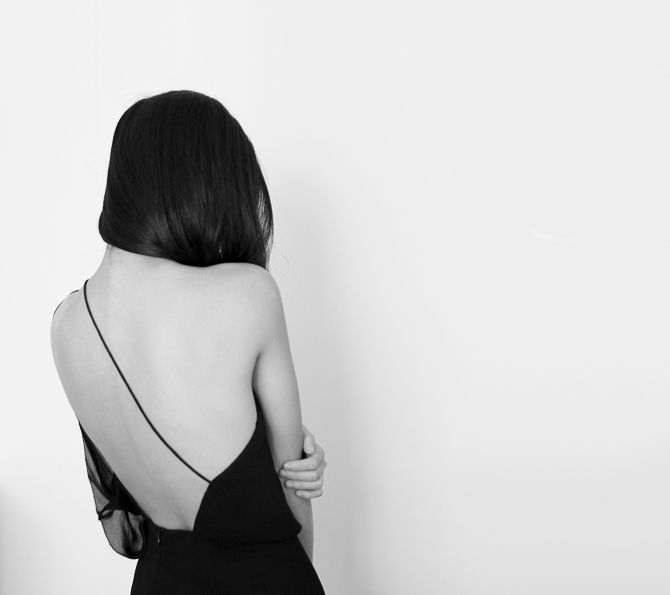 Those Clean Minimal Lines | Style | Black and White | Simple Dress | HarperandHarley