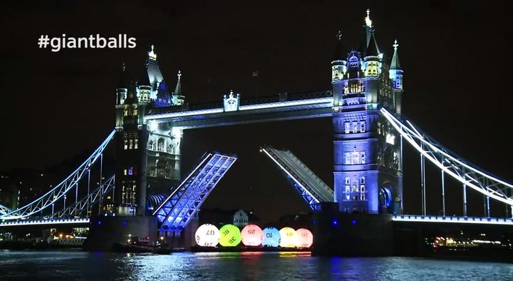 Giant National Lottery Balls sail down the River Thames - New Lotto - http://www.creativeguerrillamarketing.com/guerrilla-marketing/giant-national-lottery-balls-sail-river-thames-new-lotto/
