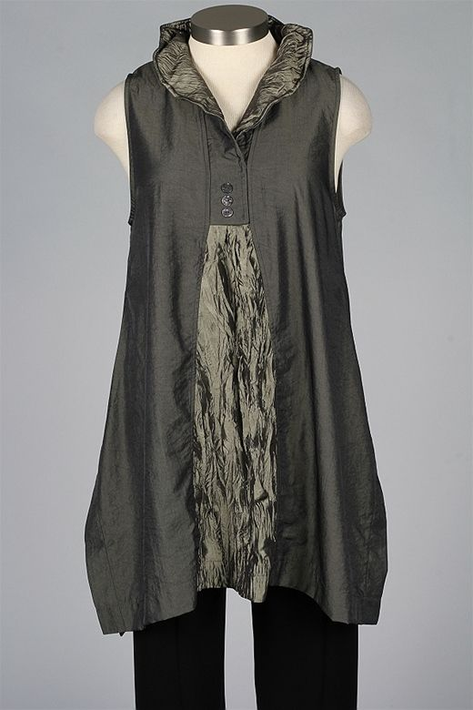 Like the idea of this collar on a tunic - but eliminate the contrast panel at the front