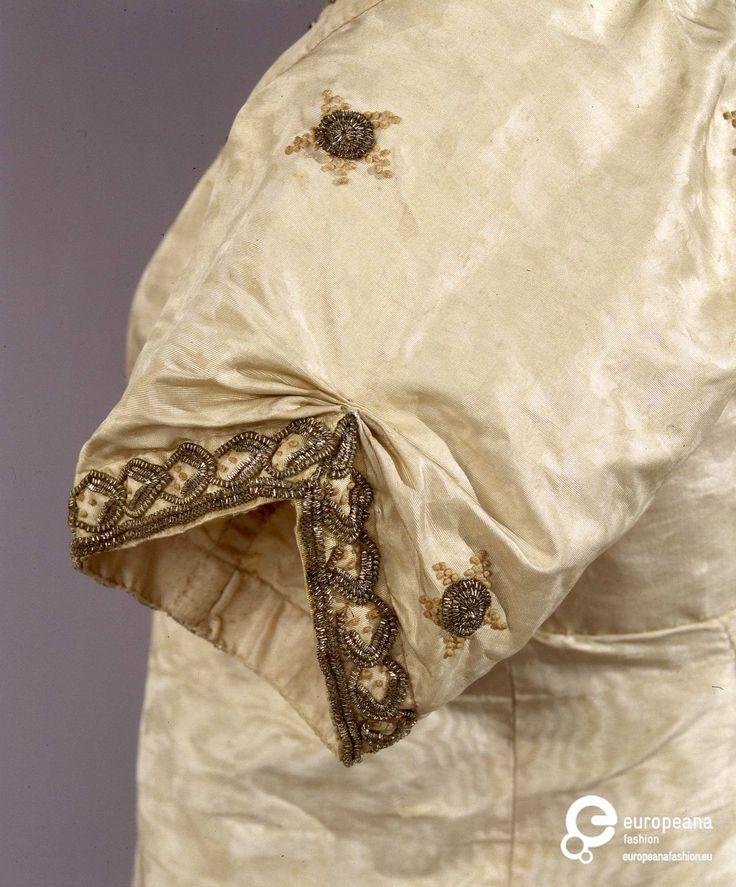 1800-1810 ca robe de gala Palazzo Pitti soieAbito femminile di gala.