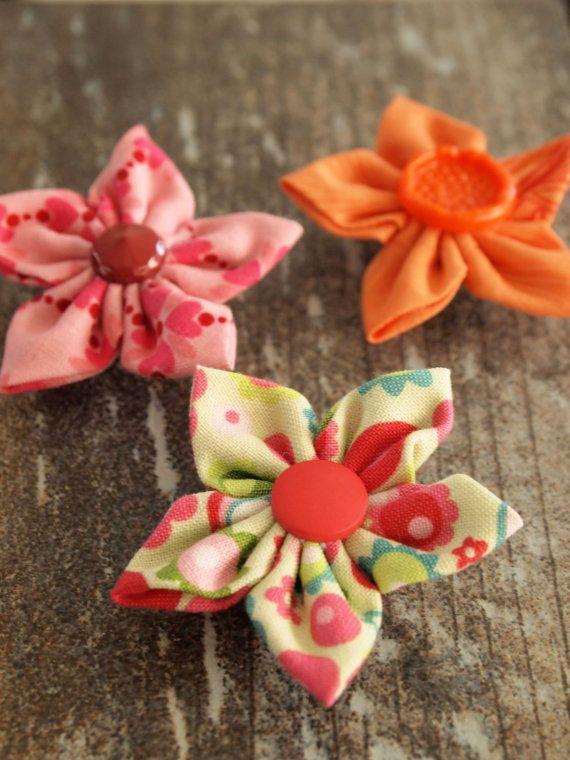 Flower Magnet. Fabric. Kanzashi. Fridge by IvelleTheHappyCow, €5.00
