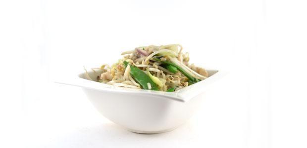 Deze Thaise groene curry met vis is razendsnel te bereiden. Natuurlijk is het gerecht ook weer erg lekker en gezond. Ruim 3 ons groenten per persoon.