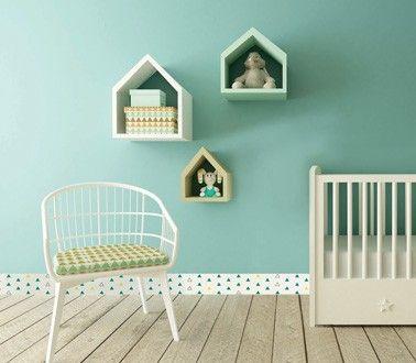 La chambre bébé s'habille de plinthes PVC déco