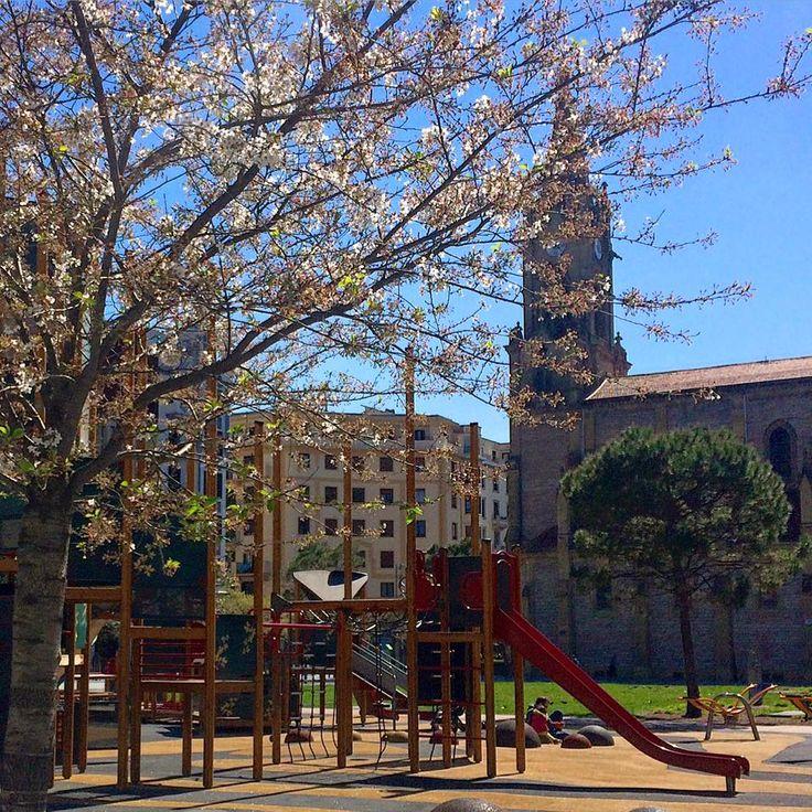 Plaza de Cataluña, Barrio de Gros en San Sebastián. www.pensiongrosen.com