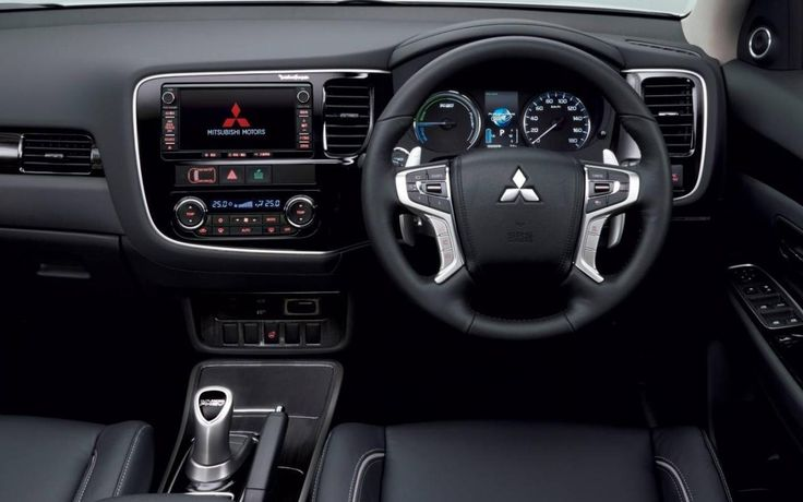Mitsubishi+Outlander+PHEV+2016+-+de+belles+améliorations+-+Galerie,+photo+3/3+-+Le+Guide+de+l'auto