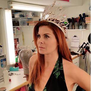 This is Debra Messing. | An In-Depth Investigation Of Debra Messing's Insane Instagram