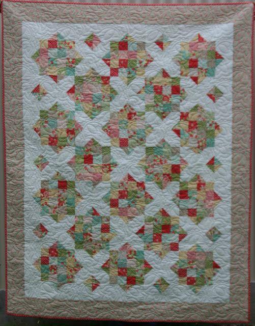 England Street Quilts: Briar Rose - A Finish and a Free Jelly Roll Pattern https://docs.google.com/file/d/0B5shkCRirc5SWmdubGlibDhiaXc/edit?pli=1
