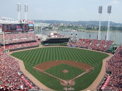 """If you are a Cincinnati Reds fan, then this is the app for you. Stay connected with everything """"Reds""""<p>""""As a sports fan this app has everything I want""""<p>This app includes all the latest links to:<br>News<br>Websites<br>Scores<br>Standings<br>Twitter<br>Facebook<p>Note: All websites open with browsers external to the app, and remain the property of the owner. This application is not endorsed by Major League Baseball or its affiliates.<p>DISCLAIMER: This is an unofficial fan-made app. All…"""