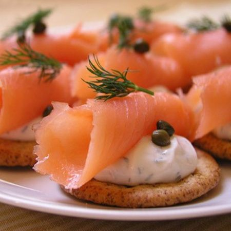 Snack on crackers with salmon and cream cheese   Recipes Chef. A collection of recipes with photos and tips for cooking. Ingredients      Salted salmon or trout (smoked) – 200,     Biscuit cracker – 100,     Butter or cream cheese – 200-300,     Dill – 2-4 sprigs     Garlic – 1-2 cloves     Freshly ground mixture of 5-and peppers