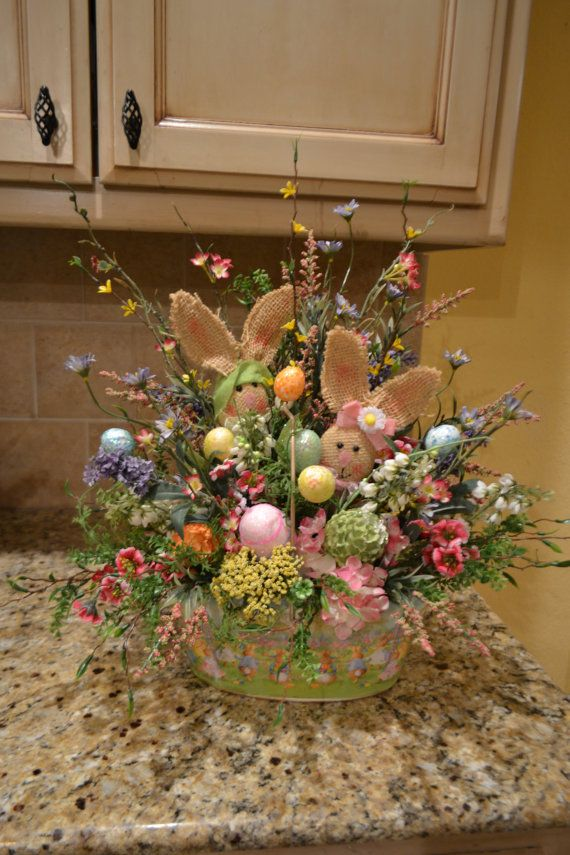 Metal Easter Basket With Burlap Bunnies by kristenscreations