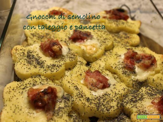 Gnocchi di semolino con taleggio e pancetta  #ricette #food #recipes