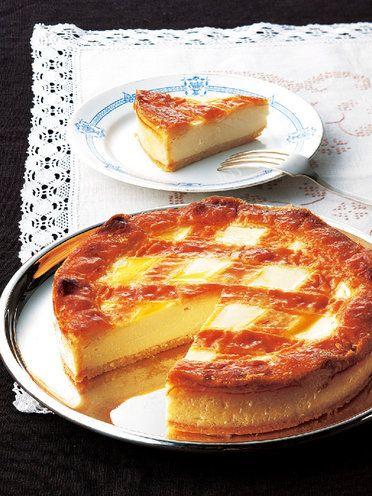 「ロシア料理 トロイカ」の「ベークド・チーズケーキ」