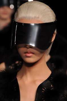 Visor sunglasses may become the new trend to be seen everywhere! Visor sunglasses have been seen on celebrities such as Nicki Minaj and Amber Rose and are now making there way into street fashion. These sunglasses create a super edgy and futuristic look! #coolhunting #sunglasses #futuristic #visorsunglasses #trend  Source: https://www.google.com/amp/s/www.pinterest.com/amp/pin/475059460667026090/
