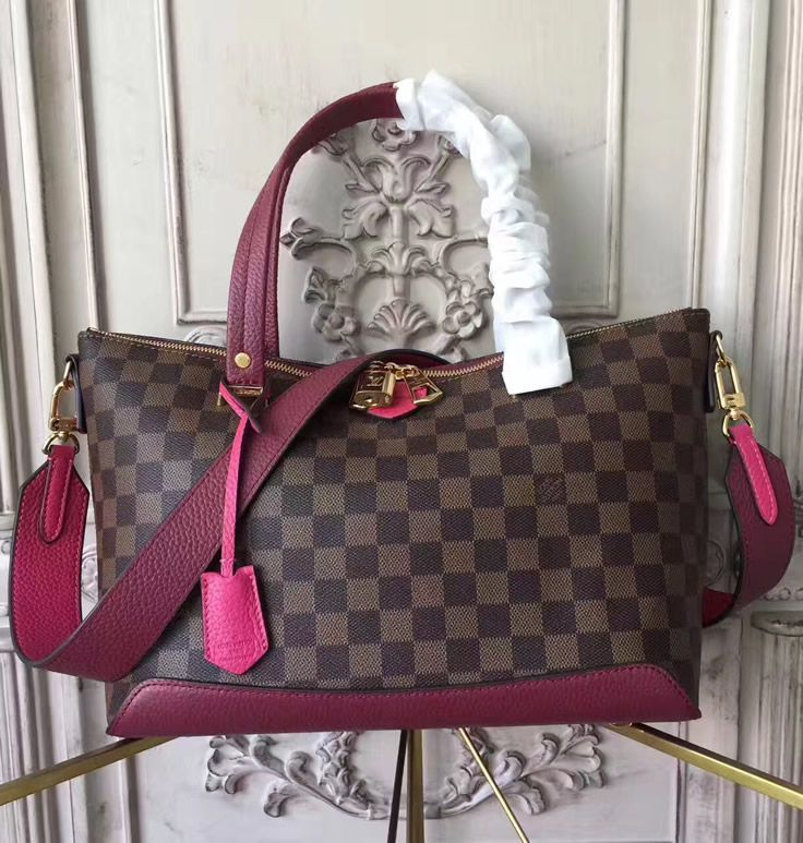 If you are looking for a bag that is chic, but at the same time has a gorgeous design, look no further. The all-new Louis Vuitton Damier Ebene Hyde Park bag is just perfect