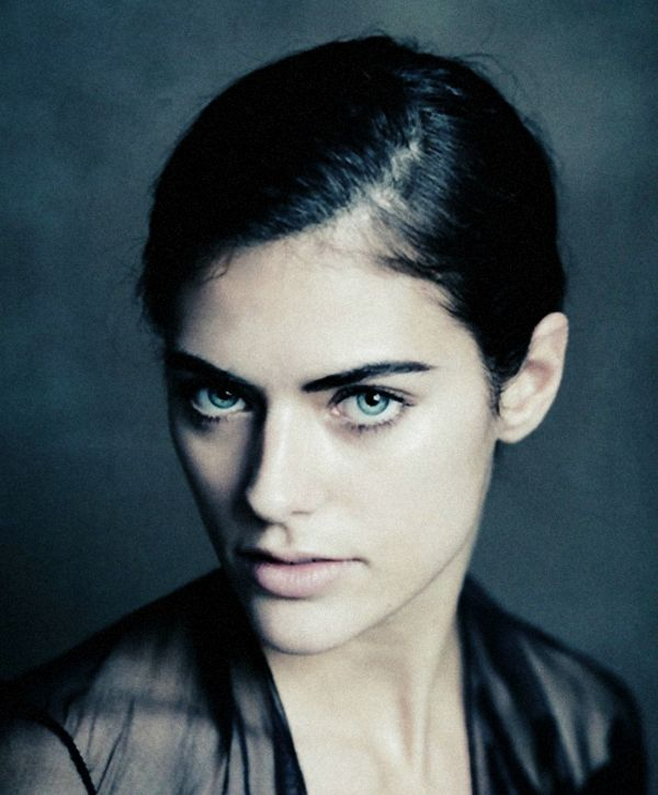 Alyson le Borges - She is the daughter of actor Anthony Delon and the granddaughter of legendary actor Alain Delon.