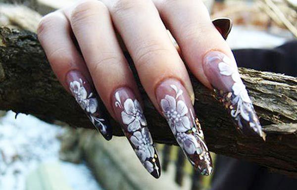 Diseños de uñas en fotos, diseño de uñas en fotos - garra.  Únete al CLUB, síguenos! #uñas #decoratednails #uñasdiscretas