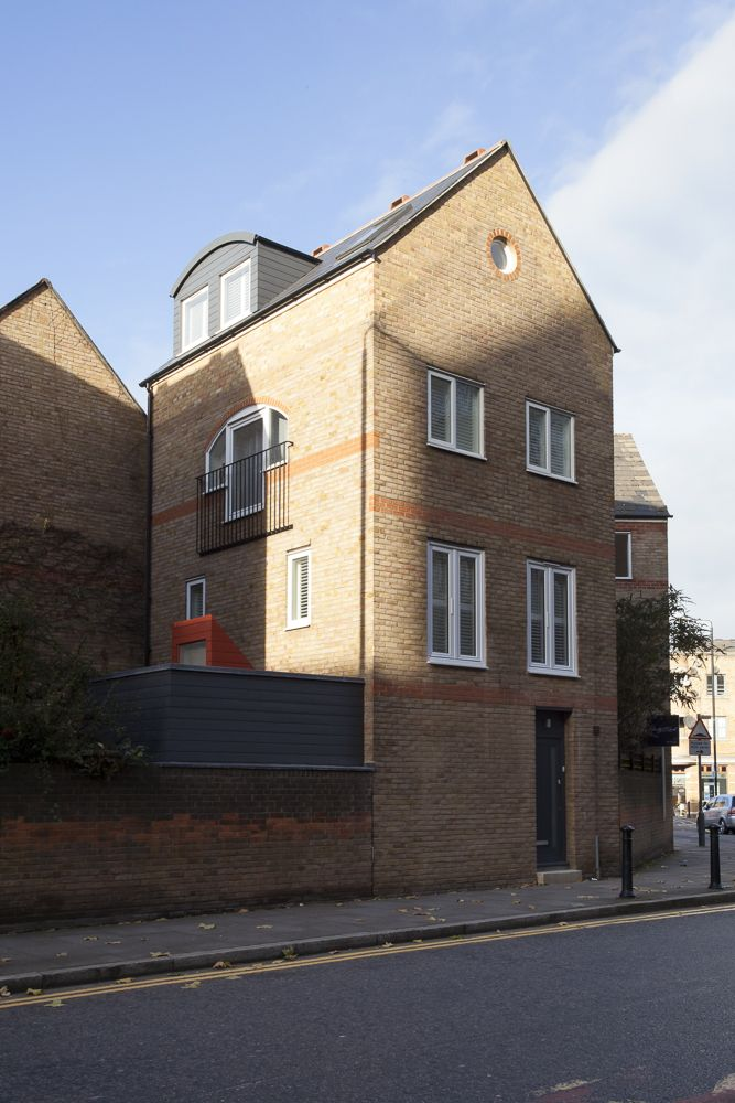 South West view of 167 Wapping High Street
