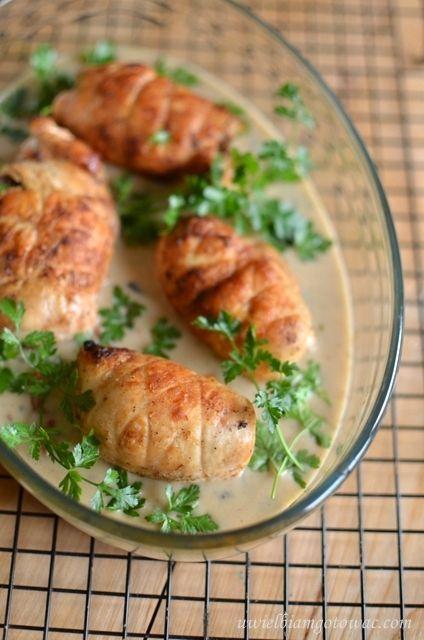 Roladki z kurczaka z pieczarkami i suszonymi pomidorami