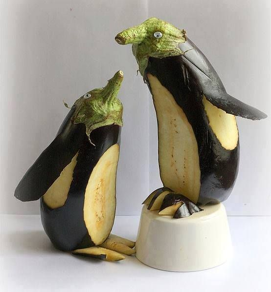 What can you do with an aubergine? #foodart #aubergine #penguin