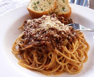 Bolognes sauce from Ann Thibeault's site: Thibeault Tables, Italian Night, Garlic Breads, Breads Recipes, Italian Breads, Bolognese Sauces, Spaghetti Recipes, Sauces Recipes, Bologn Sauces