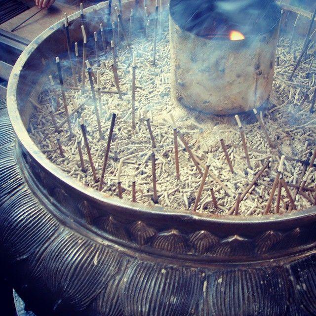 東大寺の香炉。