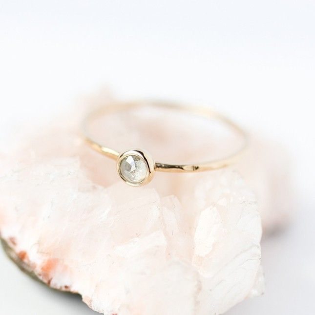 Can't get over these gorgeous minimalistic engagement rings.