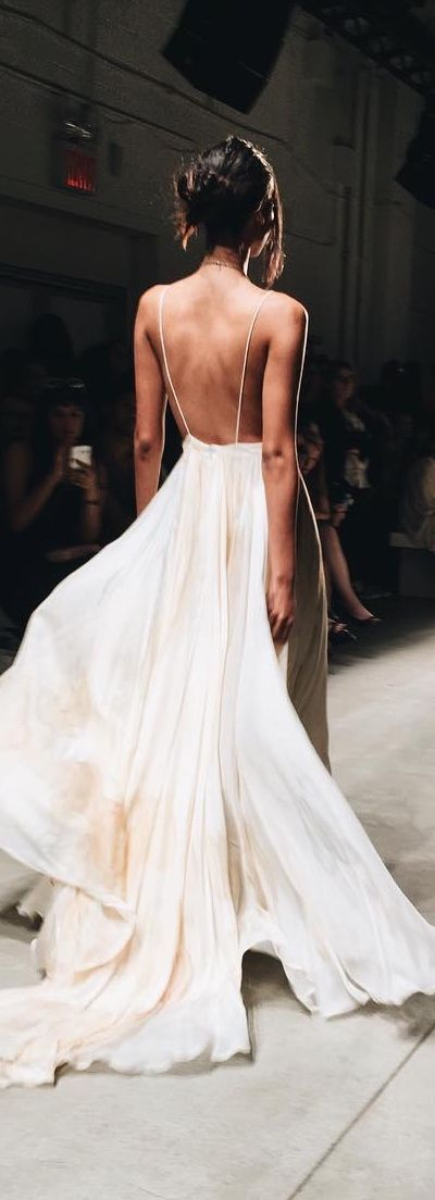 Magnificient Haute Couture. #hautecouture #fashion, wedding dress ♥♥♥ re pinned by www.huttonandhutton.co.uk @HuttonandHutton #HuttonandHutton