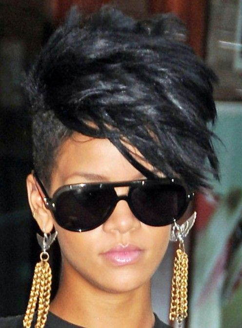 The Fauxhawk is really a cool stylish short haircut, a lot male and female sport the Fauxhawk haircut. Here is a gallery of short Fauxhawk haircut for women, if you are looking for Fauxhawk hair styles for men, check it out here. The fauxhawk haircuts for women are a little different from men's Faux Hawk[Read the Rest]