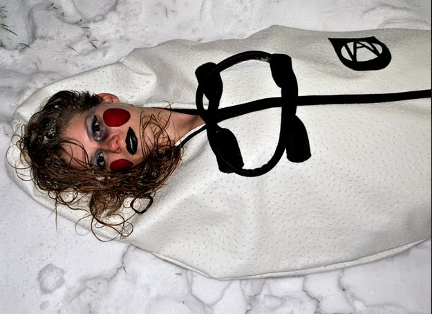Let It Snow   12 Fashionable Bodybags By MarkAllen