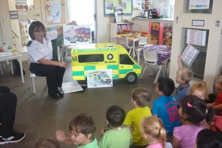 What an exciting morning in Preschool, where we had a visit from St Johns ambulance.